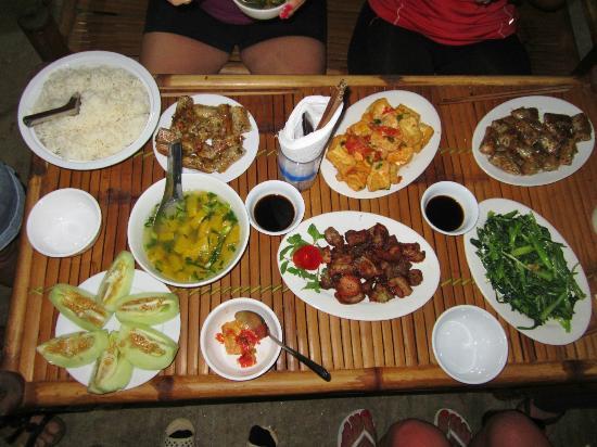 repas avec agence de voyage vietnam
