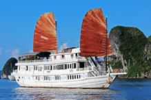 jonque standard sur la baie d'halong