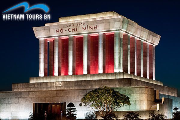 Le mausolée Ho Chi Minh